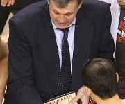Coaches: Former power forwards get wins, but don't get jobs