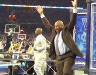 Charles Barkley celebrates Villanova's title-winning basket next to devastated Kenny Smith