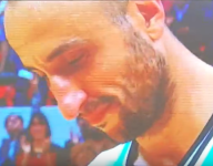 Manu Ginobili tears up after last game with his National Team in Argentina