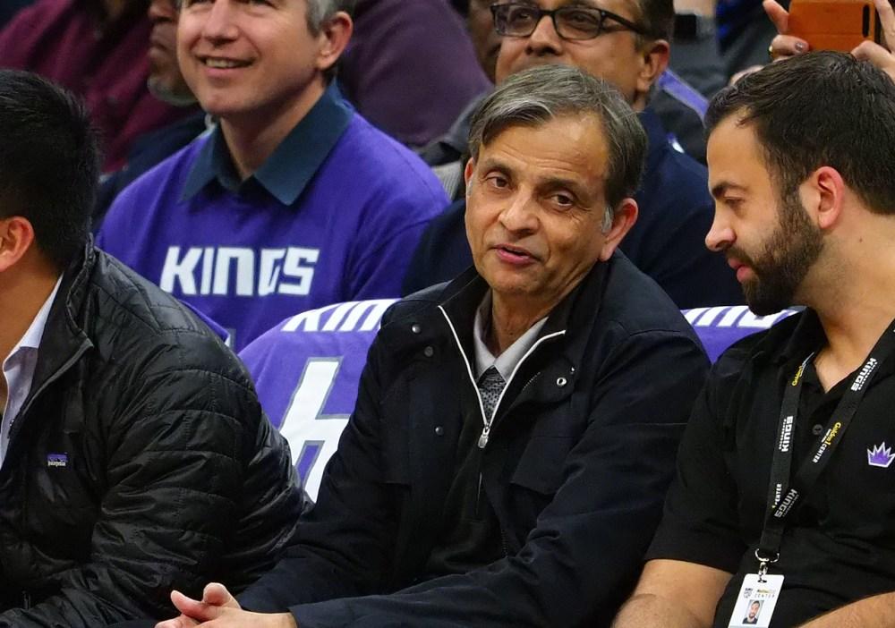 Vivek Ranadive during a Kings game