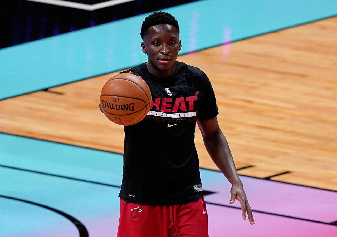 Victor Oladipo warming up before game