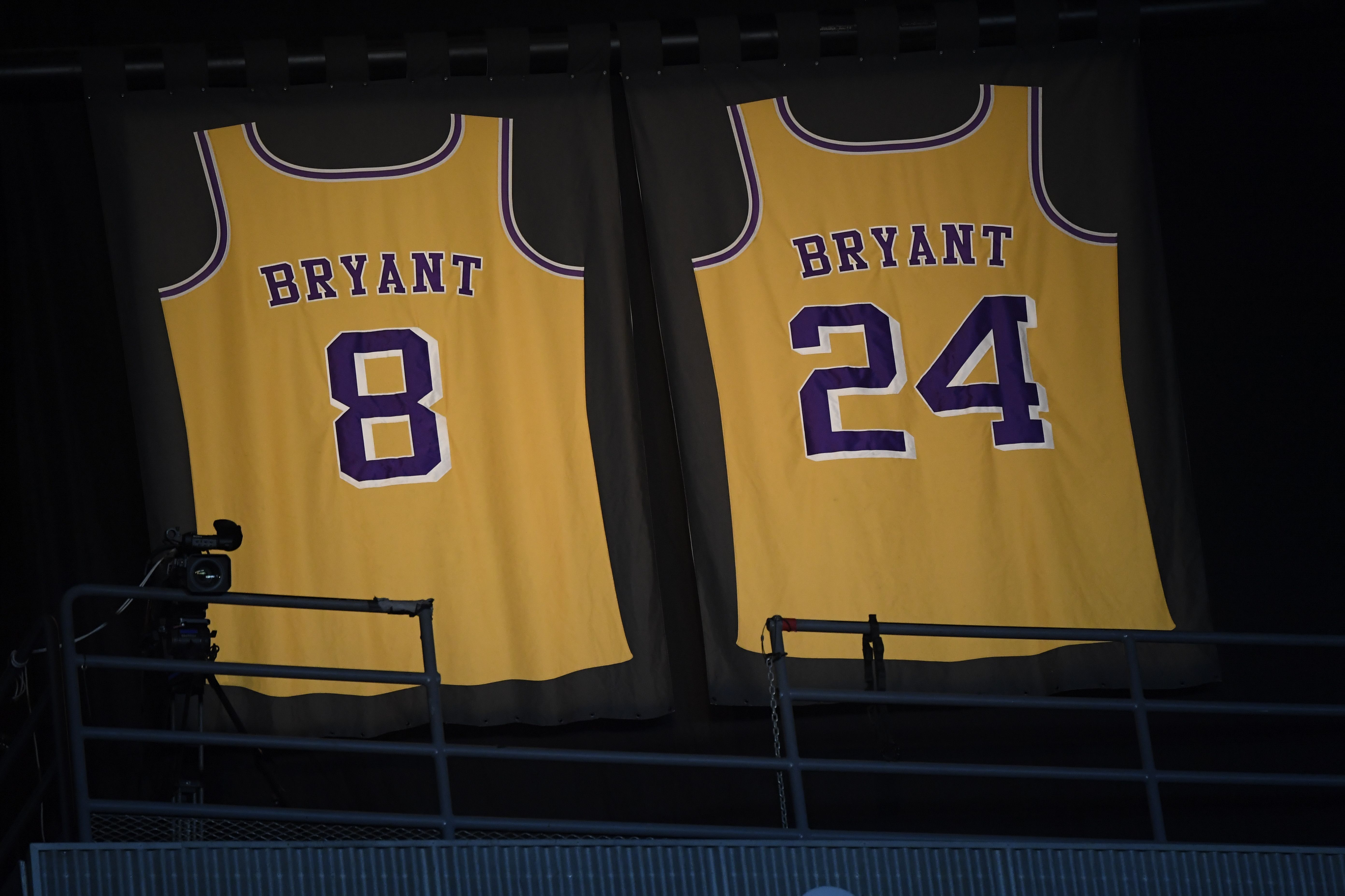 These are the NBA players who changed numbers to honor Kobe Bryant