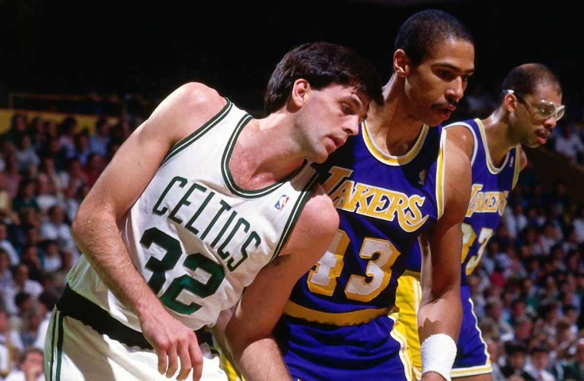 Kevin McHale vs. Los Angeles Lakers
