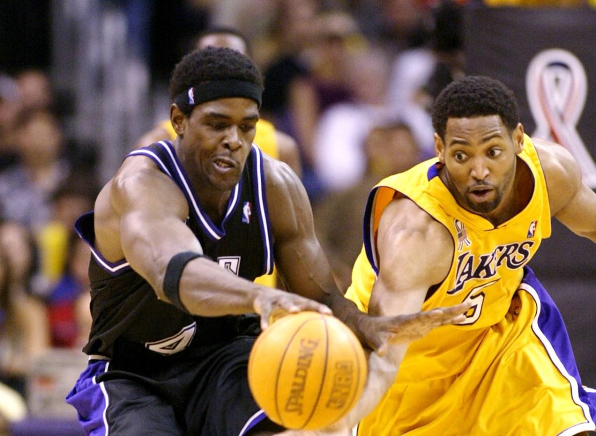 Chris Webber vs. Robert Horry, 2002 Lakers-Kings