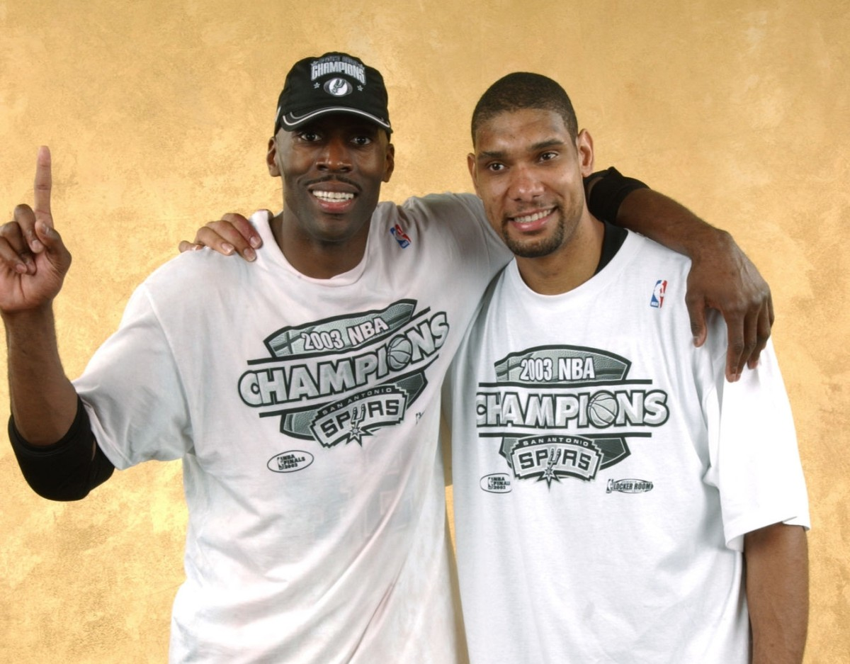 Kevin Willis and Tim Duncan, San Antonio Spurs