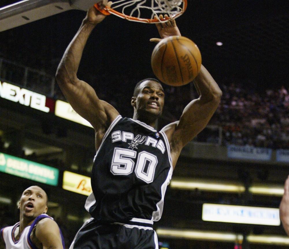 David Robinson dunk