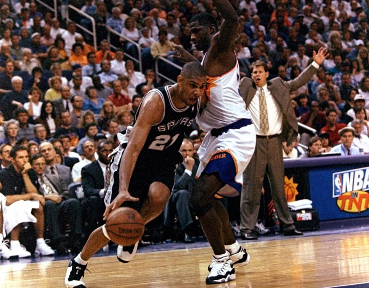 Tim Duncan vs. Phoenix Suns
