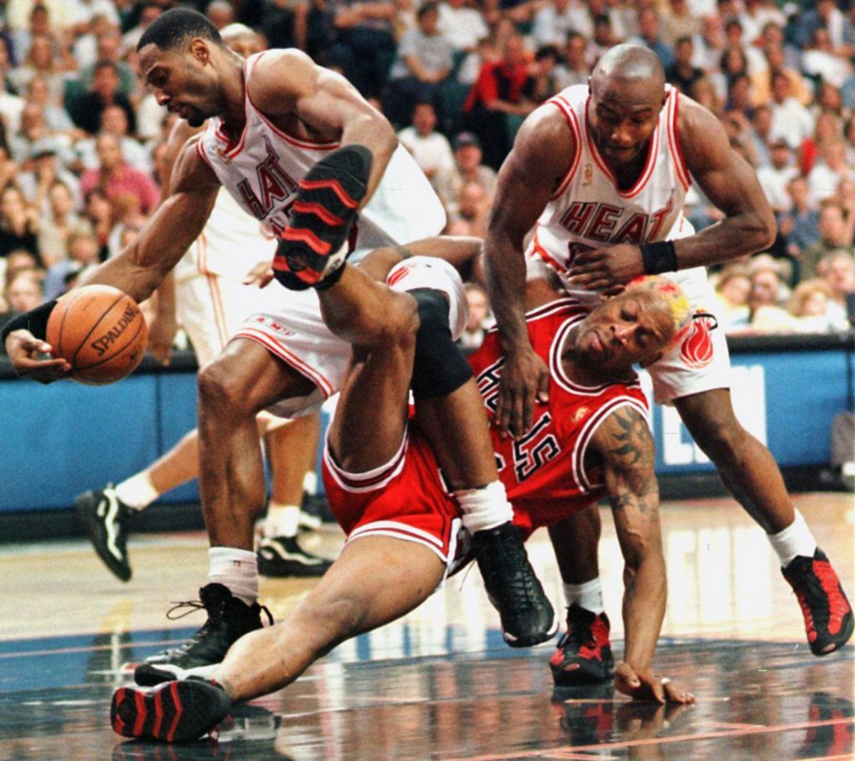 Dennis Rodman vs. Alonzo Mourning and Tim Hardaway