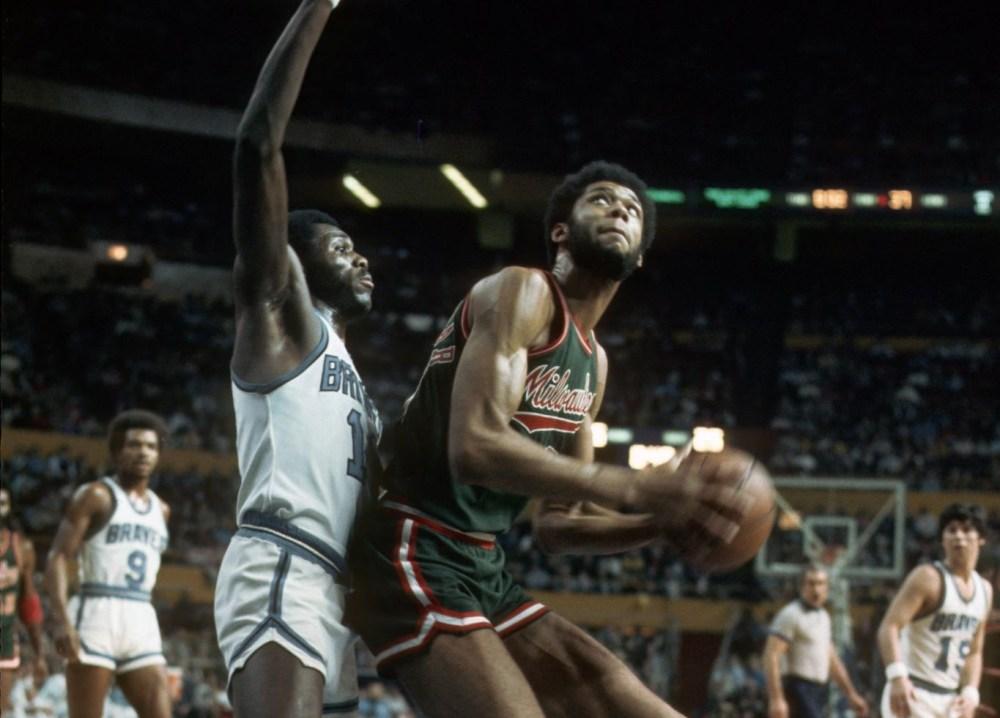 Bob McAdoo vs Kareem Abdul-Jabbar
