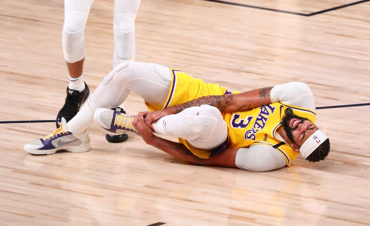 Anthony Davis injured