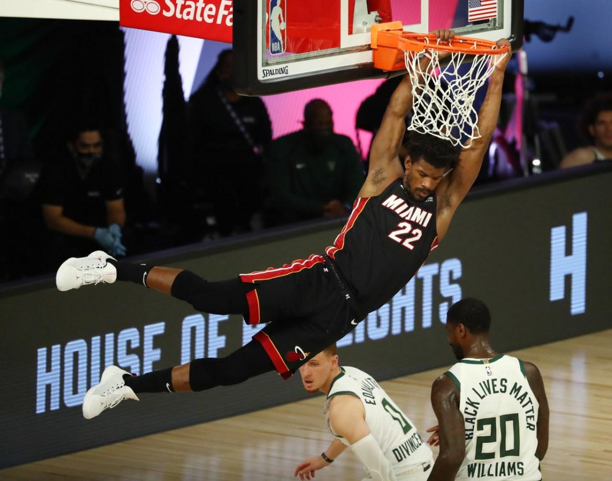 Jimmy Butler dunks vs. Bucks