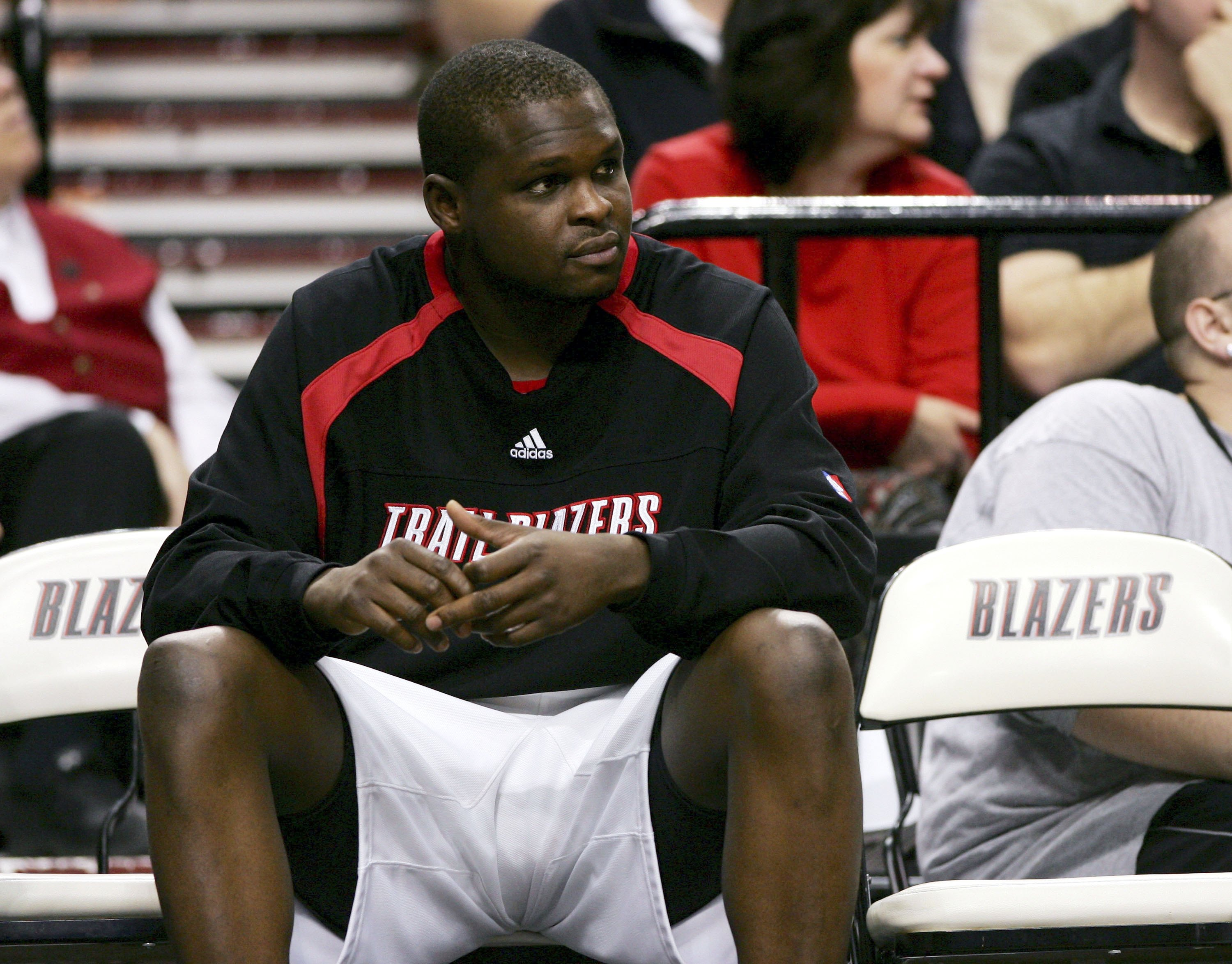 PORTLAND, OR - JANUARY 03: Zach Randolph #50 of the Portland Trail Blazers sits on the bench in a 99-81 loss to the New York Knicks on January 3, 2007 at the Rose Garden in Portland, Oregon. NOTE TO USER: User expressly acknowledges and agrees that, by downloading and or using this Photograph, user is consenting to the terms and conditions of the Getty Images License Agreement.