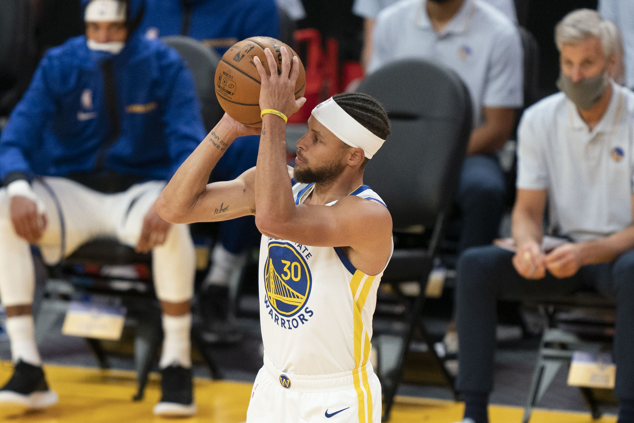 December 12, 2020; San Francisco, California, USA; Golden State Warriors guard Stephen Curry (30) shoots the basketball against the Denver Nuggets during the second quarter at Chase Center.