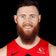 Raptors waive Aron Baynes