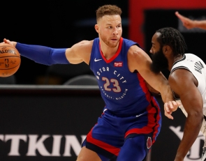 Will Blake Griffin be traded or agree to a buyout? NBA execs weigh in on his value to contenders