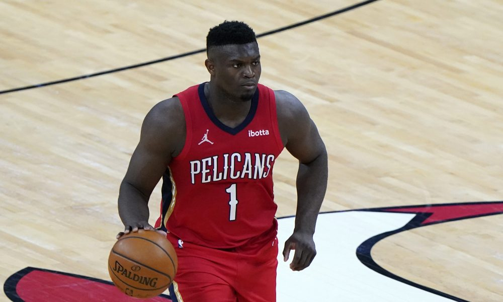 Feb 10, 2021; Chicago, Illinois, USA; New Orleans Pelicans forward Zion Williamson (1) dribbles the ball against the Chicago Bulls during the third quarter at the United Center.