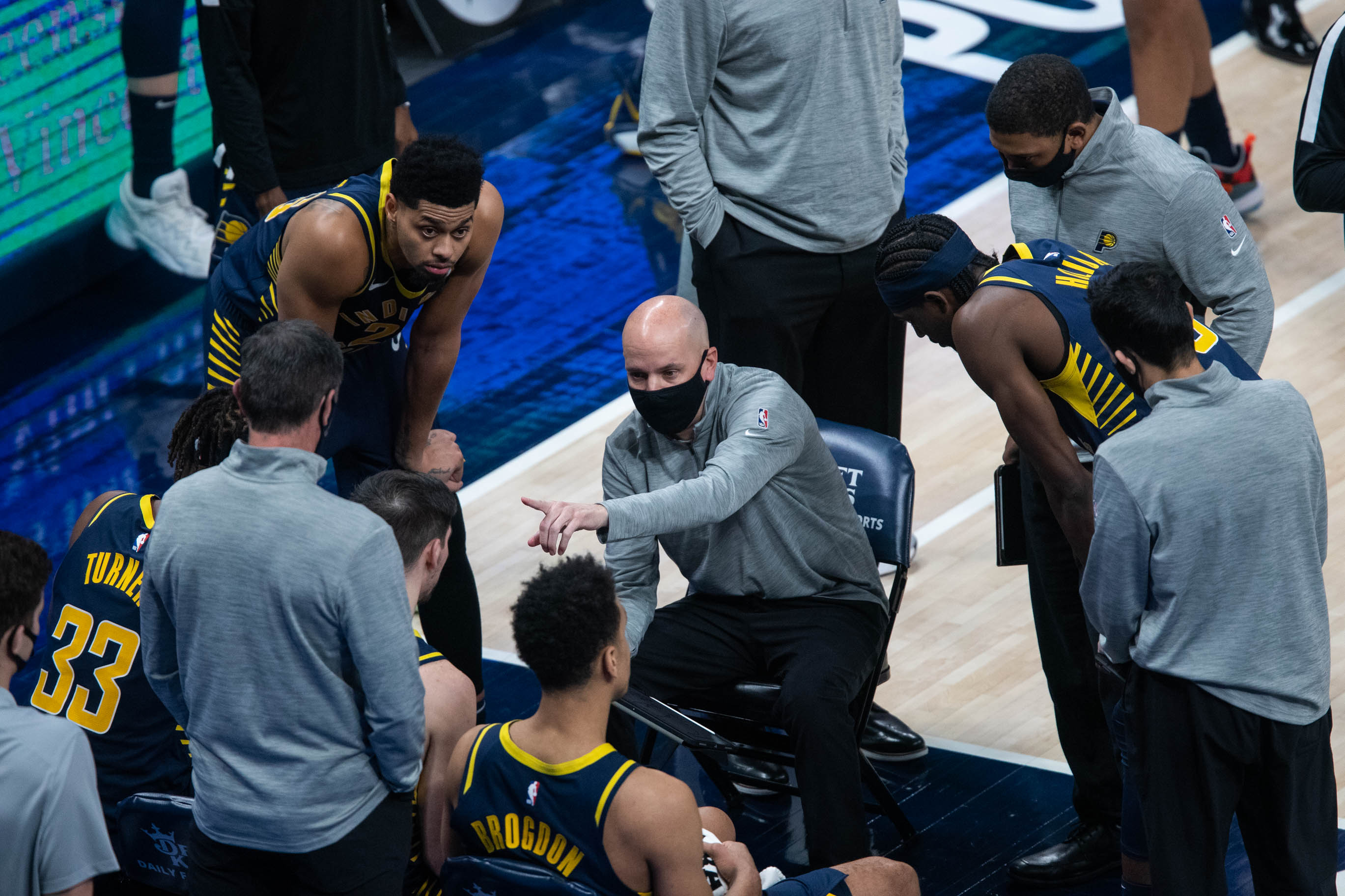 Indiana Pacers head coach Nate Bjorkgren talks to his team
