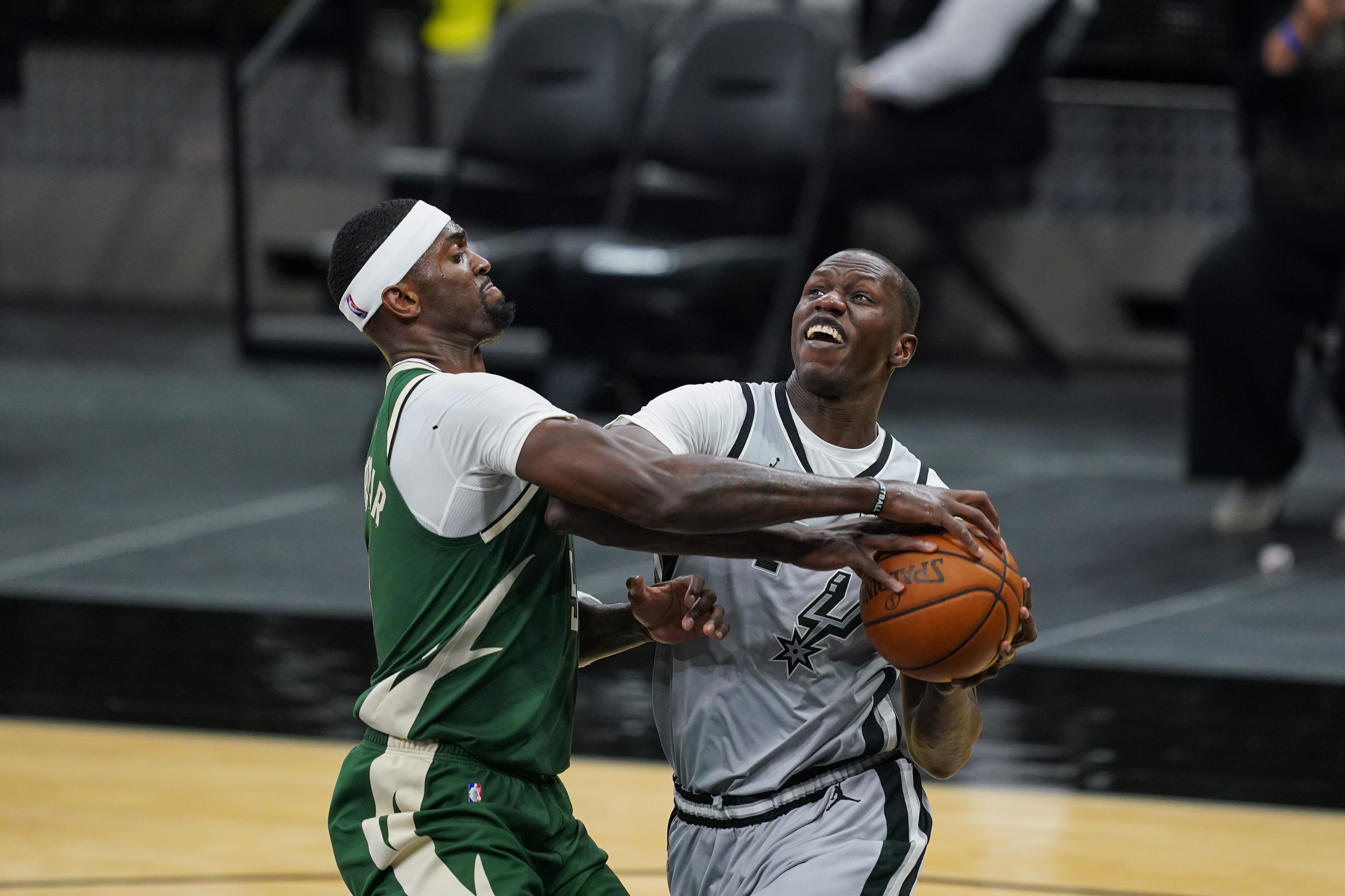 Gorgui Dieng, San Antonio Spurs