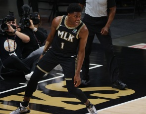 Minnesota Timberwolves agree to two-way deal with Nathan Knight