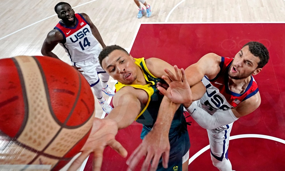 Dante Exum and Zach LaVine fighting on the paint