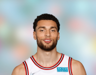 Zach LaVine intends to play through thumb injury